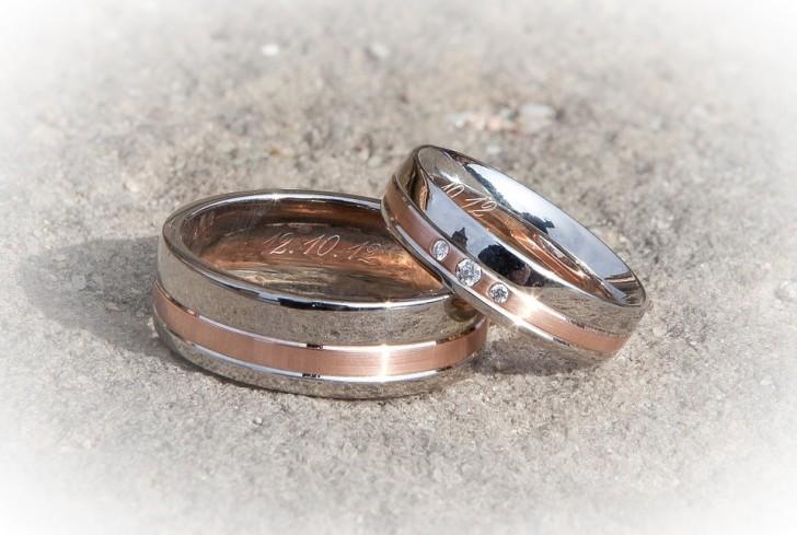 ring-260892_960_720