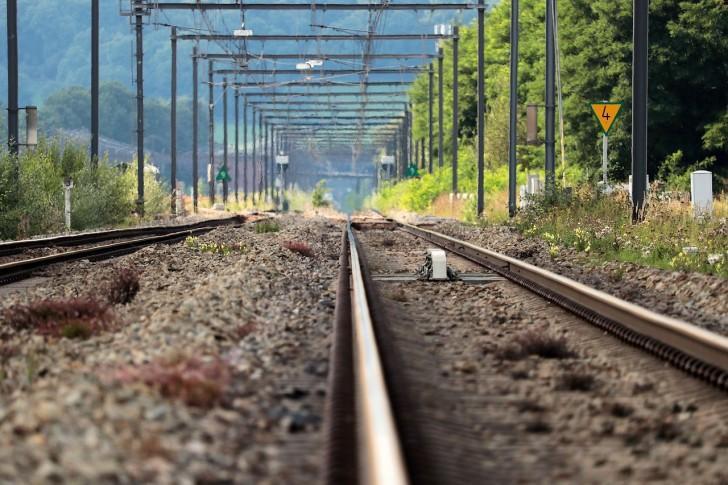 railway-rails-2738515_1280